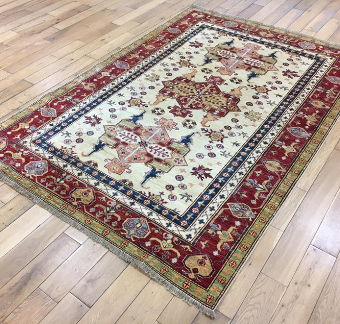 Fine Kazak Oriental Rug Ref 6482