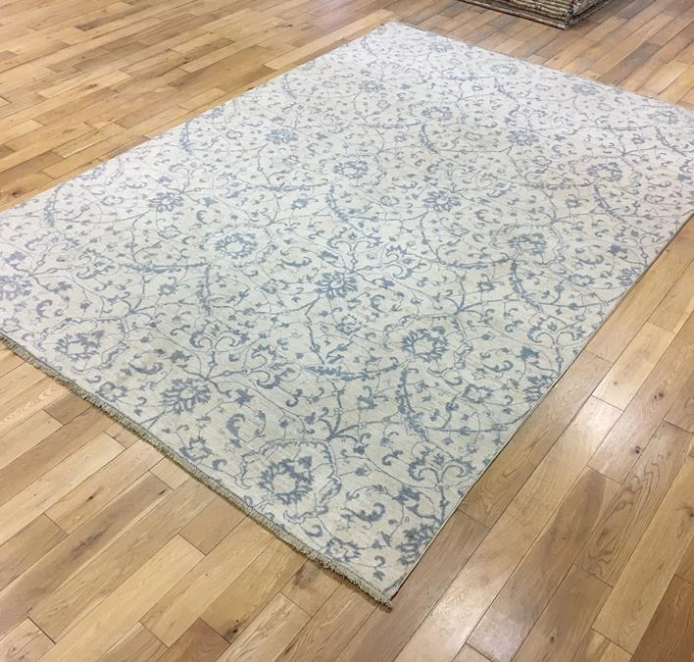 Fleur de Lis Design Contemporary Carpet Ref 6594